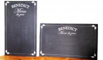<p>Peinture sur ardoises pour le Benedict</p>